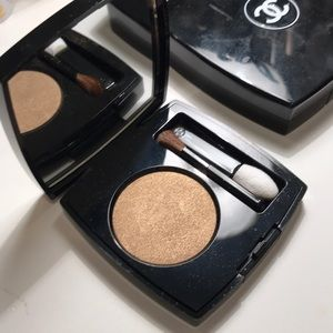 Chanel single eyeshadow in bronze antique #32